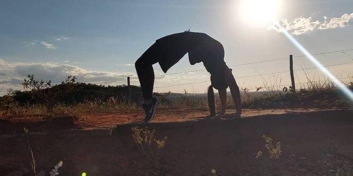 capa blog habitos praticas e exercicios para a postura